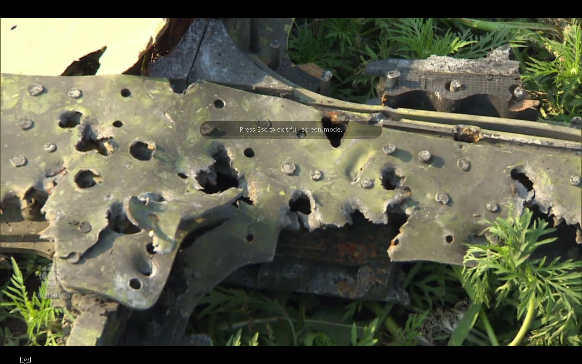MH17_cockpit_right_window_frame_bullet_holes
